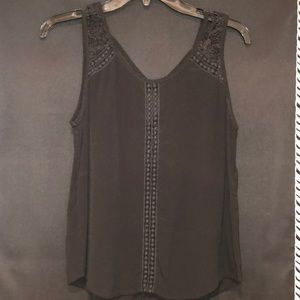 Black detailed tank top